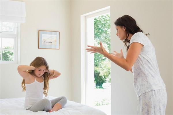 बच्चाें काे लेकर क्या अाप भी करते हैं ये गलती