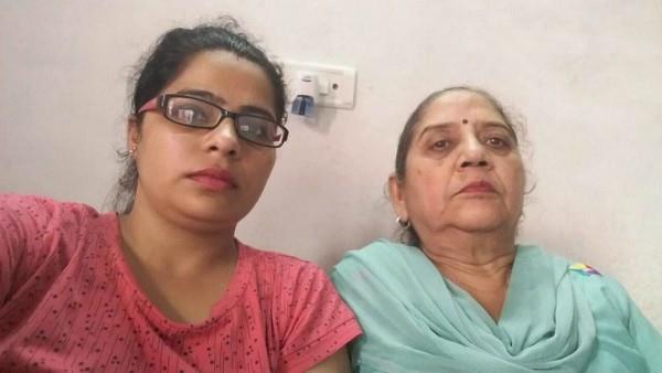 नकाबपोश लुटेरों ने महिला का पर्स झपटा
