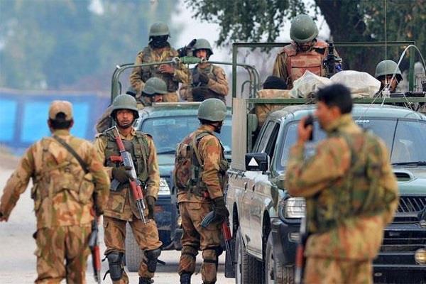 पाक: उग्रवादियों के ठिकाने पर छापे दौरान मारे गए सैन्यकर्मी