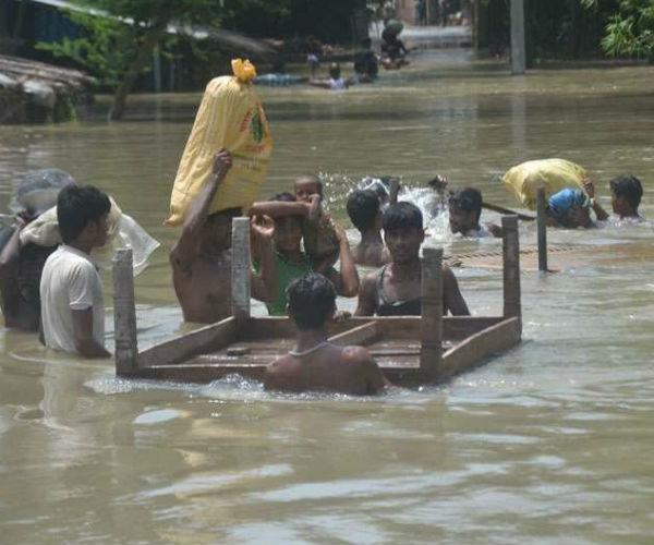 पूर्वी इलाकों में कहर बरपा रही बाढ़, अब तक 40 से अधिक लोगों की मौत