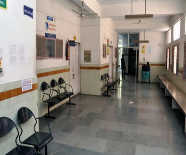 BRD मेडिकल कालेज में पसरा सन्नाटा, मरीजों ने पकड़ी दूसरे अस्पतालों की राह