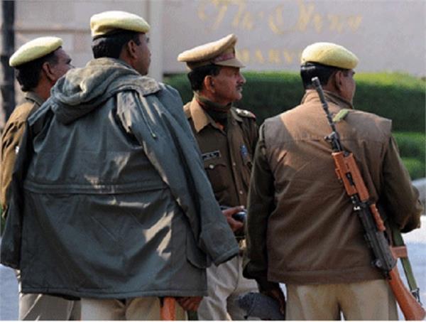 लापरवाही पड़ी भारी, चौकी पर तैनात सभी पुलिसकर्मी निलंबित
