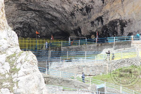 number of devotees reaching 2 6 lakhs this year during amarnath yatra