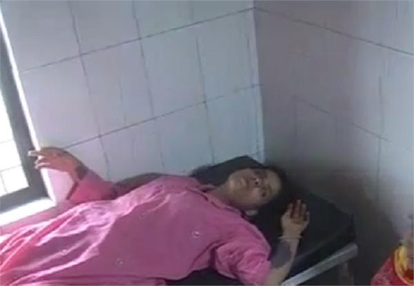 दहेज की मांग पूरी ना हाेने पर ससुरालियाें ने विवाहिता काे जिंदा जलाया