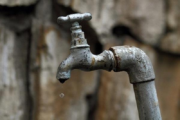 शताब्दी के कोच में आई पानी की कमी, मची हाहाकार
