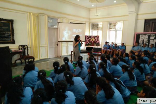 ब्लू व्हेल खतरा : हरियाणा में स्कूलों को छात्रों की काउंसलिंग करने के निर्देश