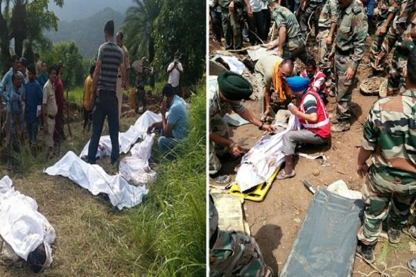 कोटरोपी हादसा: पहाड़ दरकने से मलबे में दबी बसें, बढ़ रही मरने वालों की संख्या (PICS)