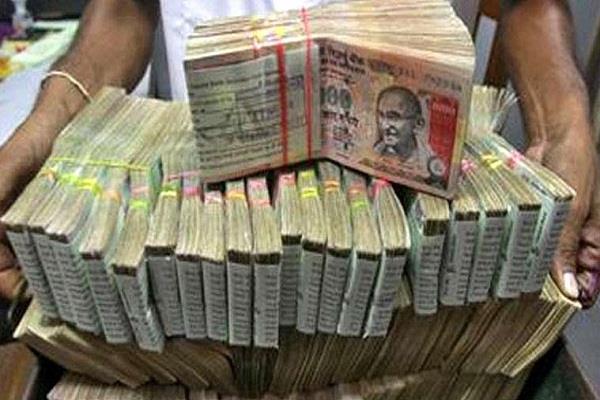 Black Money मामले में रडार पर आईं फिल्म से जुड़ी कंपनीज और बिल्डर