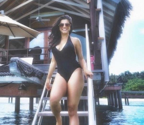 shenaz treasurywala enjoying holidays