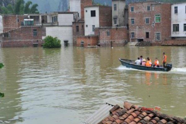 चीन में ढही बांध की दीवार,सैंकड़ों लोग निकाले सुरक्षित