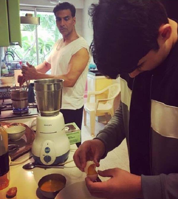 akshay kumar is preparing dessert twinkle khanna shared the picture