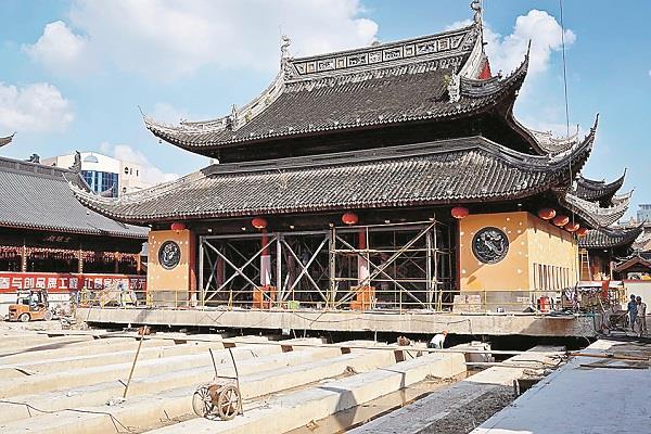 प्राचीन बौद्ध मंदिर को स्थानांतरित कर रहा है चीन