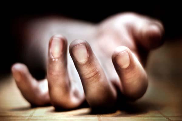 सुसाइड नोट में दर्द बयां कर फंदे पर झूल गया बुजुर्ग, 5 गिरफ्तार
