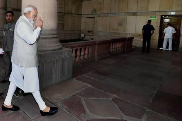 दिवाली से पहले PM मोदी का गरीबों को बड़ा तोहफा, 'सौभाग्य' योजना का शुभारंभ