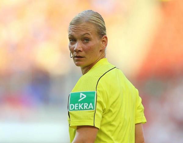 यूरोप की शीर्ष लीग की पहली महिला रेफरी बनी जर्मन स्टीनहास