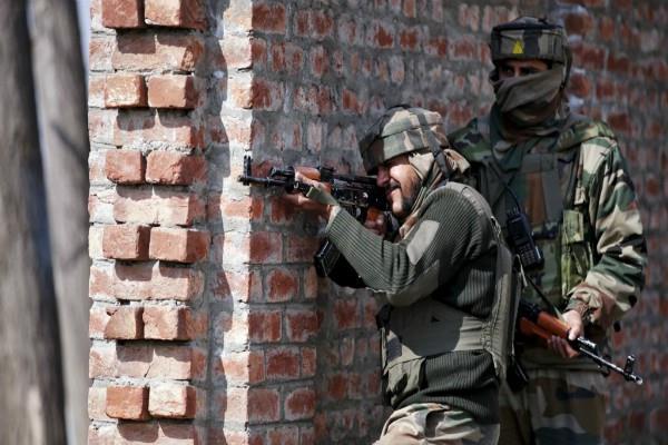 उरी में LoC पर सुरक्षाबलों ने की घुसपैठ की कोशिश नाकाम, 1 आतंकवादी ढेर