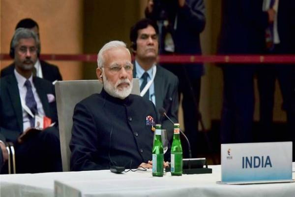 PM मोदी की मुहिम को मंत्रियों का ठेंगा