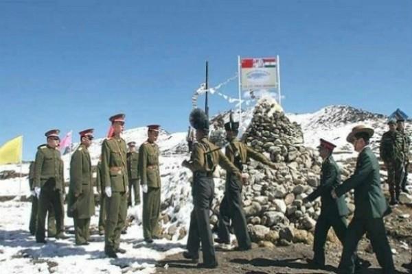 डोकलाम विवाद : केवल 150-150 मीटर पीछे हटीं भारत-चीन की सेनाएं
