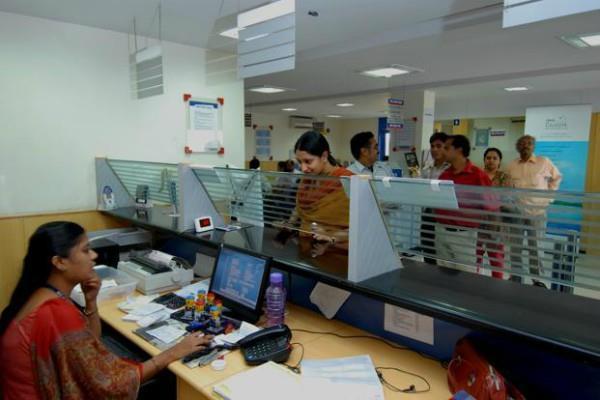 आधार पंजीकरण केंद्र न खोलने पर बैंकों पर लगेगा 20,000 रुपए जुर्माना