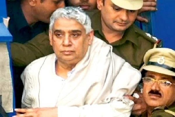 सतलोक आश्रम प्रकरण: देशद्रोह मामले में रामपाल की पेशी, अगली सुनवाई 6 नवंबर को