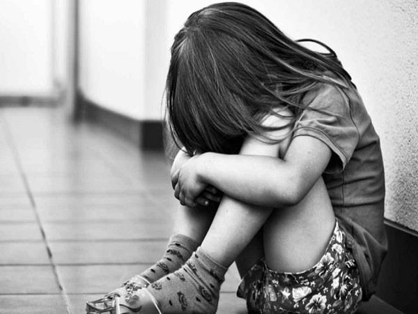 रिश्ता हुआ कलंकितः नाबालिग पर भाई ने रखी गंदी नजर,अकेली देख की ये हरकतें