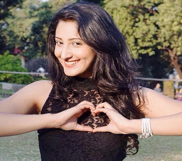 छोटे पर्दे पर फिर नजर आई हिमाचल की ये खूबसूरत बेटी, दर्शकों का जीत रही दिल (PICS)