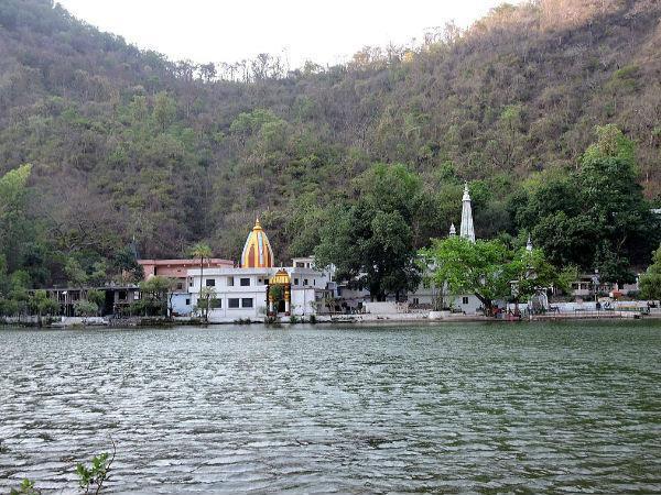 भगवान परशुराम अपनी मां से भेंट करने प्रतिवर्ष आते हैं रेणुका झील