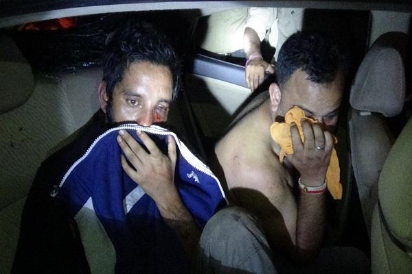 PICS: नकली पुलिस वाले बनकर करते थे गुंडागर्दी, अब ऐसे खुली पोल