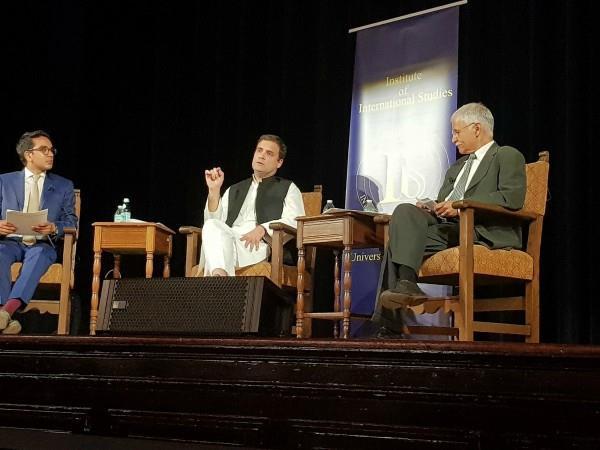 US: राहुल गांधी के कार्यक्रम में लड़की ने किया हंगामा,बोली- ये कैसी फ्री स्पीच