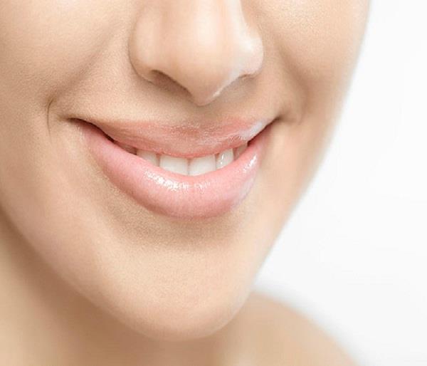 सेहत से जुड़े कई राज खोलते हैं आपके Lips