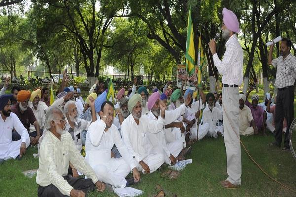 गौरी लंकेश कत्ल के विरोध में किया रोष मार्च