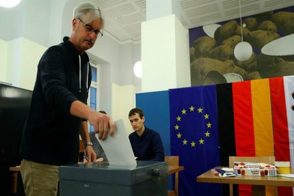 जर्मनी में आम चुनाव के लिए मतदान शुरू