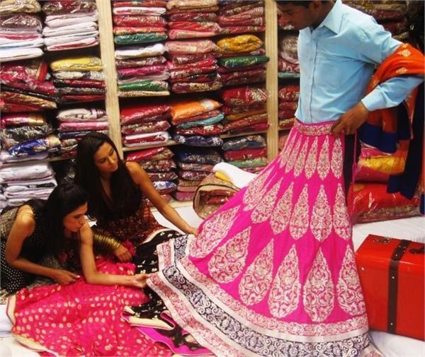 दिल्ली की इन मार्किट्स में कम रेट में मिलेंगे Bridal लंहगे