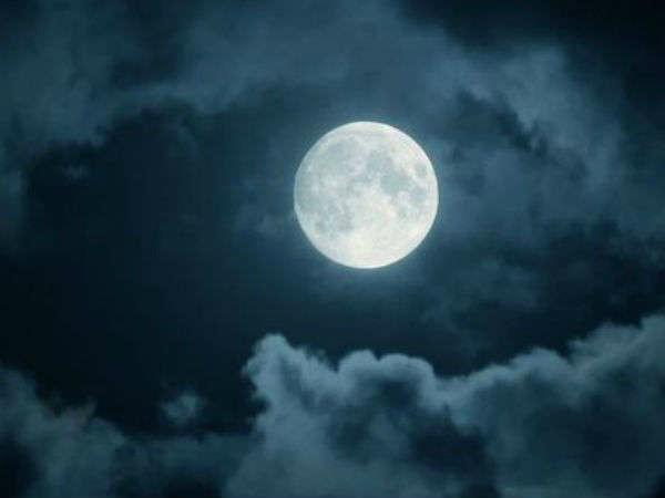 विजयदशमी पर चंद्रमा बना रहा है खास योग, 4 राशियों को मिलेगा महालाभ