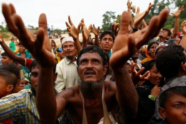 रोहिंग्या शरणार्थियों के पलायन को लेकर म्यांमार पर बढ़ा दबाव
