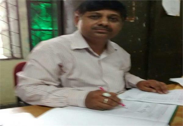 गोरखपुर ट्रेजेडी: छठा आरोपी लिपिक संजय त्रिपाठी गिरफ्तार, 3 की तलाश जारी
