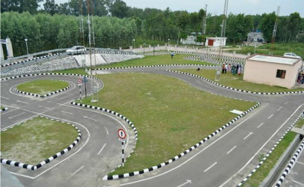 ट्रांसपोर्ट विभाग ने ड्राइविंग लाइसैंस किए ऑनलाइन