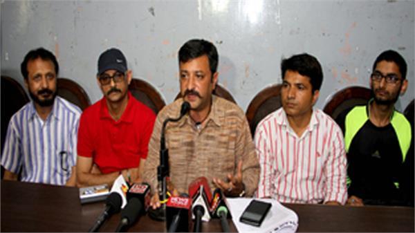 महाराजा हरि सिंह के जयंती पर छुट्टी घोषित नहीं हुई तो मंत्रियों, विधायकों का घेराव होगा