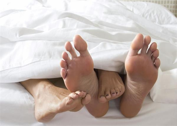 पैरों की उंगलियों से जानें पति-पत्नी में से किसकी चलेगी ज्यादा