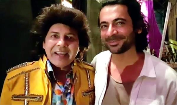 video share of sudesh lahiri  s   drama company   with sunil grover