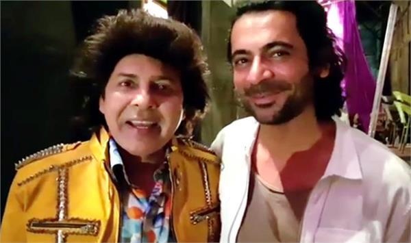 सुनील ग्रोवर के साथ ''ड्रामा कंपनी'' के सुदेश लहरी ने की वीडियो शेयर