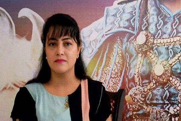 हनीप्रीत को पनाह देने पर SIT ने केमिस्ट को किया राउंड अप