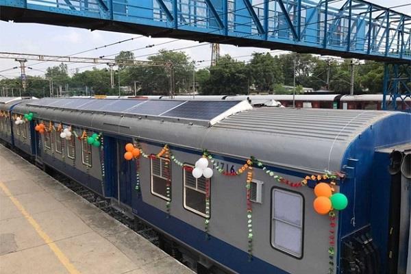 मालदा डिवीजन ने दी लोगों को बड़ी खुशखबरी, पूजा स्पेशल ट्रेन चलाने का लिया फैसला