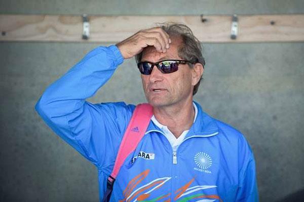 रोलेंट ऑल्टमेंस को भारतीय हॉकी टीम के कोच पद से हटाया