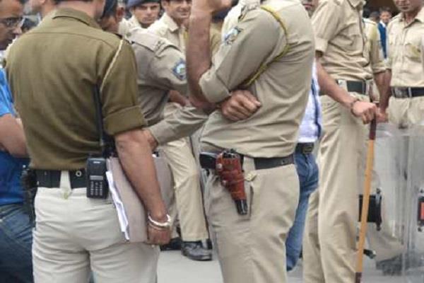 पुलिस ने अपराधी तत्वाें के साथ मिलकर पत्रकाराें पर दर्ज किया फर्जी केस, जिला प्रेस क्लब ने की निंदा