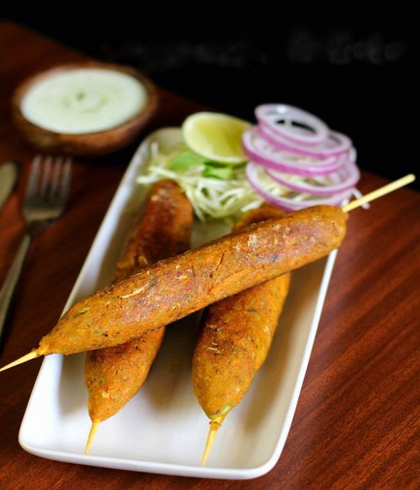 चाय के साथ खाएं गर्मा-गर्म Veg Seekh kabab