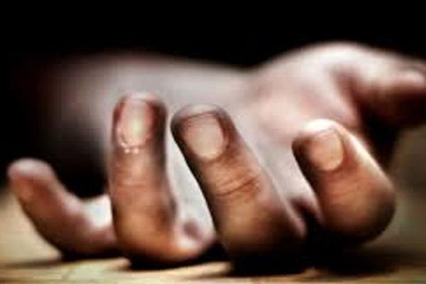 युवक ने फंदा लगाकर की आत्महत्या