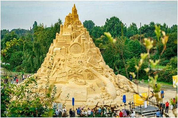 जर्मनी में बना दुनिया का सबसे ऊंचा रेत का किला, गिनीज वर्ल्ड रिकॉर्ड में शामिल