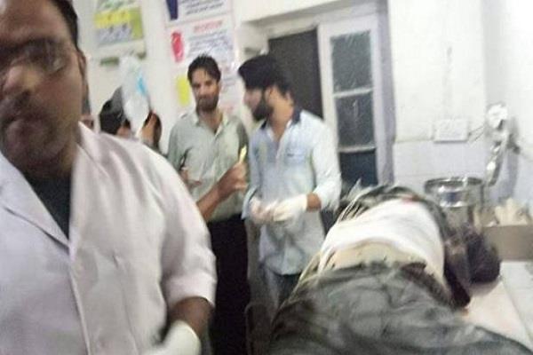 जम्मू-कश्मीर में एस.एस.बी. कैंप पर आंतकी हमला, 2 जवान शहीद