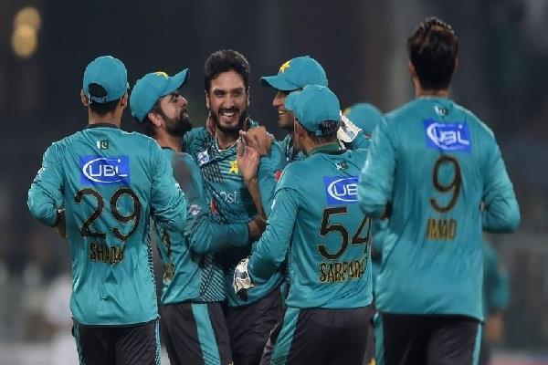 पाकिस्तान ने विश्व एकादश को 20 रनों से हराकर 1-0 बढ़त हासिल की